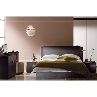Chic Bed Set With Night Stand And Chest Of Drawers. King Size